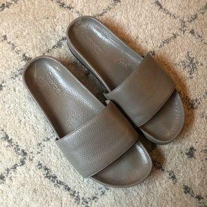 Vince Gavin leather slide sandals size 7